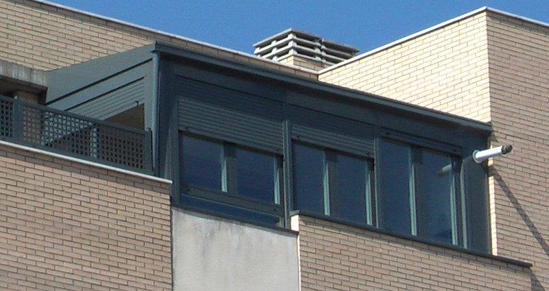 Cerramientos de aluminio para viviendas aluminis garrido for Viviendas sobre terrazas