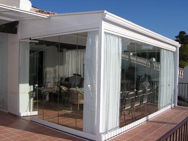 Cerramientos en verano para utilizar tu balcon todo el año