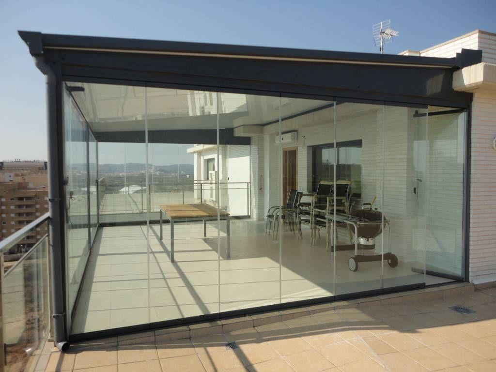 terraza con cerramientos de cristal en Reus